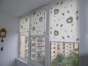 Установка рулонных штор на пластиковые окна в Сальске